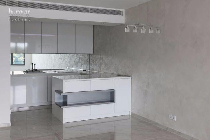 Biela lesklá kuchyňa - BMV Kuchyne