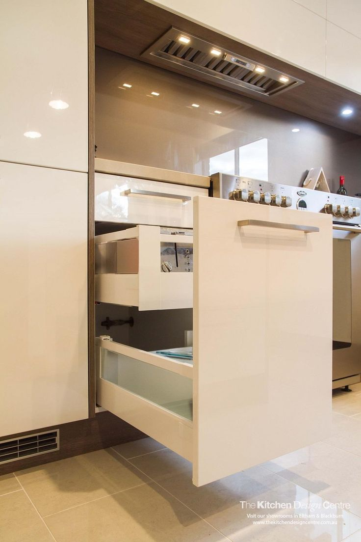 A contemporary kitchen with designed to maximise the available space. www.thekitchendesigncentre.com.au @thekitchen_designcentre