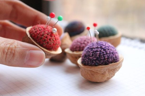 Walnut-knit-pincushion.jpg (600×399)