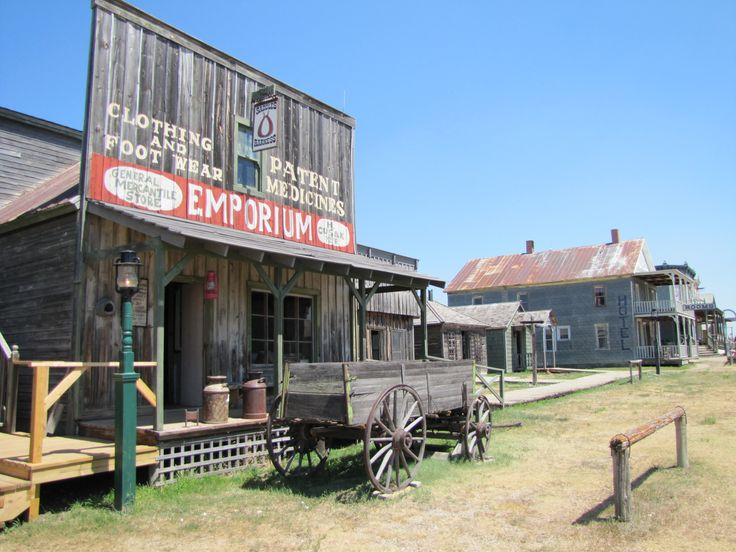 Right out of Interstate 90 there is a very interesting place called Town 1880. It reflects how the old west used to be. Walk through this unique location to bring back all type of western movie memories.