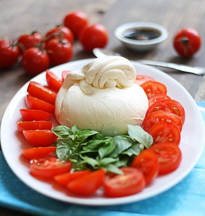 tomatoes and burrata from thewickednoodle.com: Burrata Cheese, Serving Families, Caprese Salad, Wicked Noodles, Capr Salad, Easy Caprese, Styles, Families Style, Healthy Food
