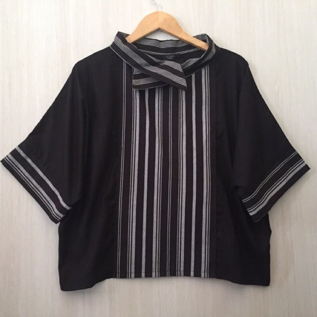 Temukan dan dapatkan Atasan/blouse lurik tenun hanya Rp 109.000 di Shopee sekarang juga! http://shopee.co.id/imanggoethnic/318051924 #ShopeeID