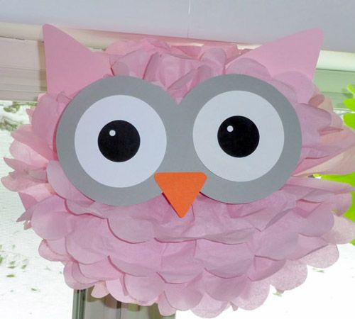 Haz tus propios pompones 'animados' • DIY personalized pompoms. This nice owl is made by The shower planner, on etsy