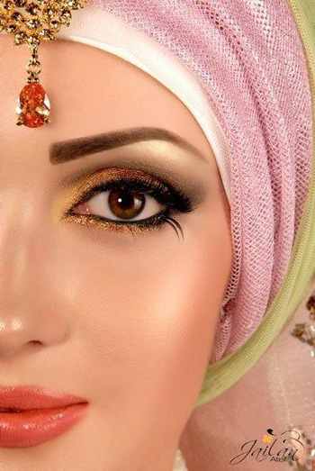 http://abayatrade.com muslim fashion magazine  Egyptian hijab styles I've always have wanted to wear one of these