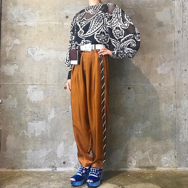 toga_xtc on Instagram pinned by myThings 祖先の霊を祀り、自身の魂にもお供えを。これぞ日本の夏の行事である。  ペイズリー柄デザイントップス pants,belt bag,shoes/TOGA  #toga_xtc