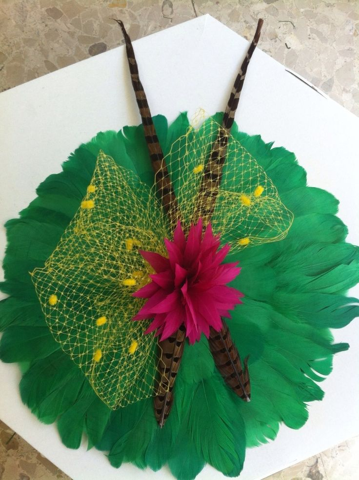 Pamela de plumas verdes