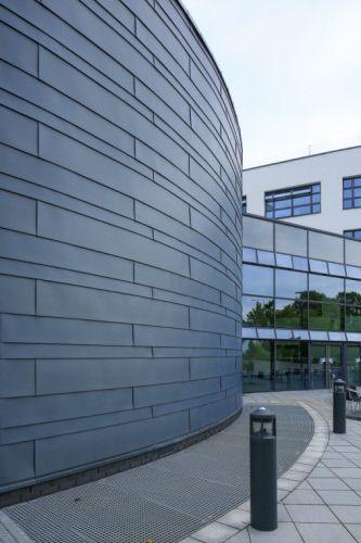 Brunel University Eastern Gateway, London (UK) by RMJM #Architecture #London #UK #Project #Façade #PIGMENTO Blue #Education #University #Zinc #VMZINC