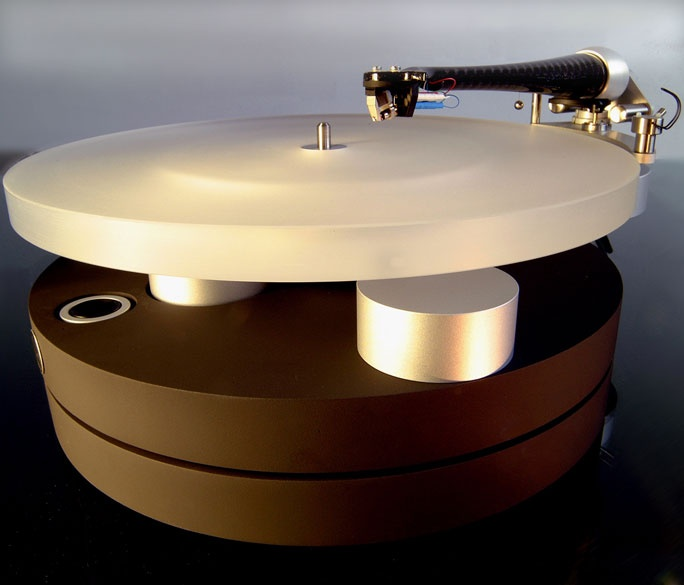 Wilson Benesch Full Circle turntable, ACT 0.5 tonearm, & Ply MC cartridge