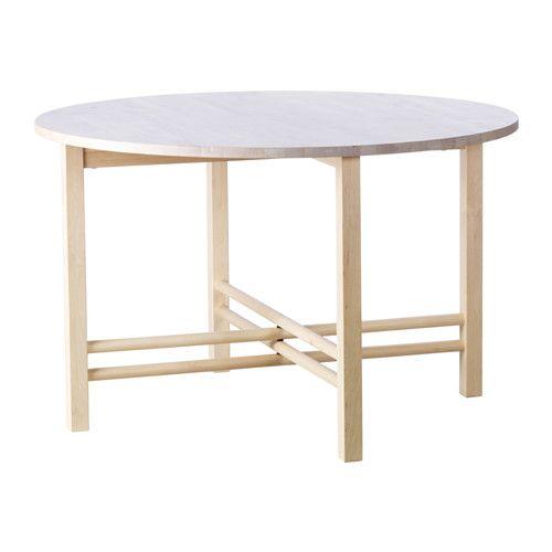 IKEA - BJÖRKSNÄS, Matbord, Massivt trä är ett slittåligt naturligt material som tål dagligt slitage.Det här bordet är idealiskt för middagar och umgänge. Den generösa runda formen ger mer utrymme och gör det enklare att se varandras ansikten och höra konversationen.Varje bord är unikt med varierande ådring och naturliga färgskiftningar som är en del av charmen med trä.