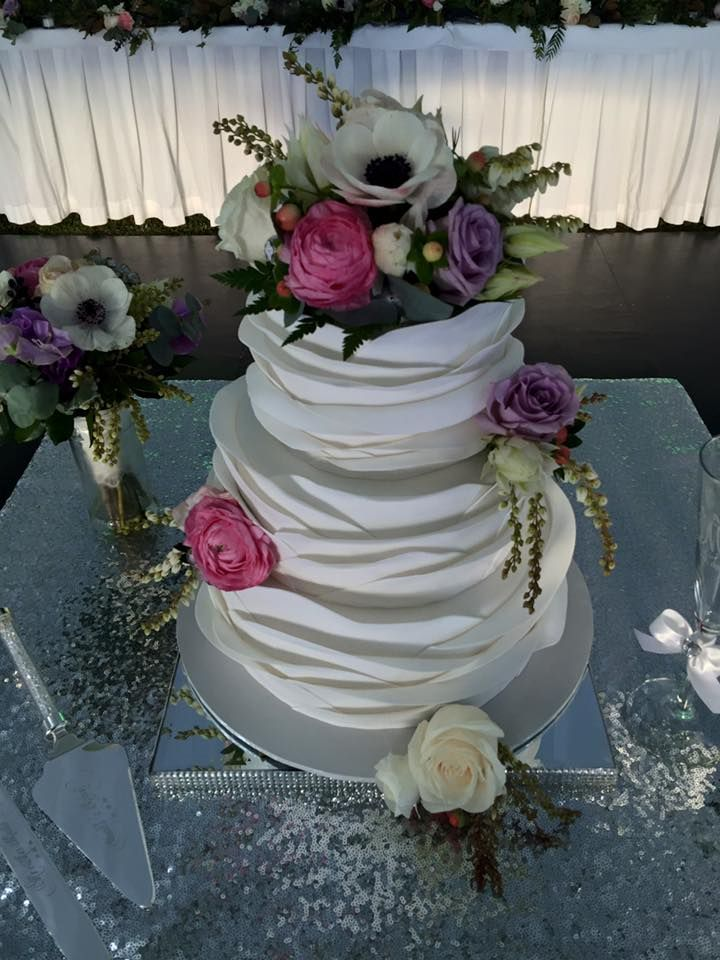 cake flowers  created by Lovely Bridal Blooms