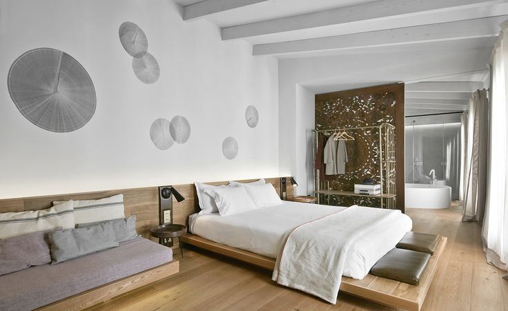 An icon is reborn. Following an extensive refurbishment by OHLAB, Palma de Mallorca's Puro Hotel has introduced 22 remodelled rooms, each upgraded with a contemporary sheen. An irregular configuration, thanks to a mixture of existing buildings, inclu...