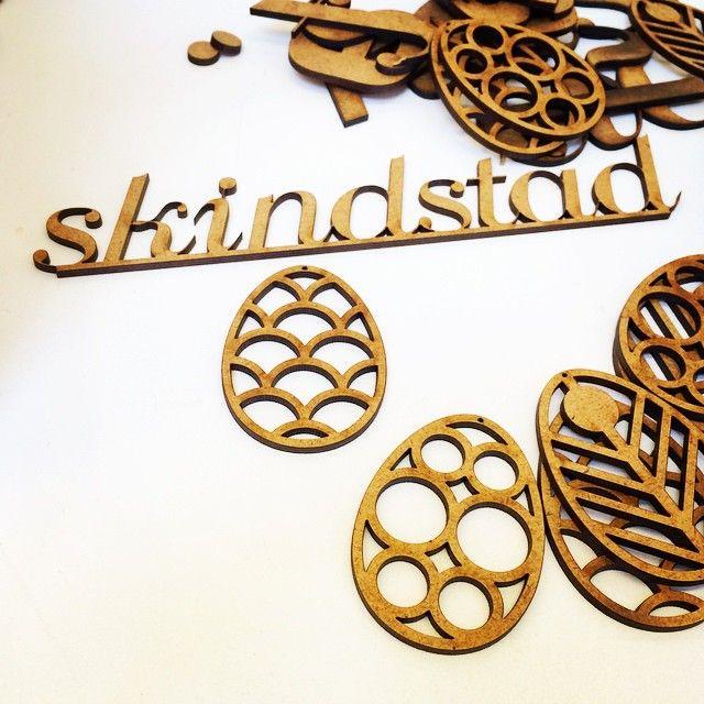 Påskepynt i hårdt mdf Design: Skindstad  //  Easter Egg deco – made by skindstad.  http://shop.skindstad.dk