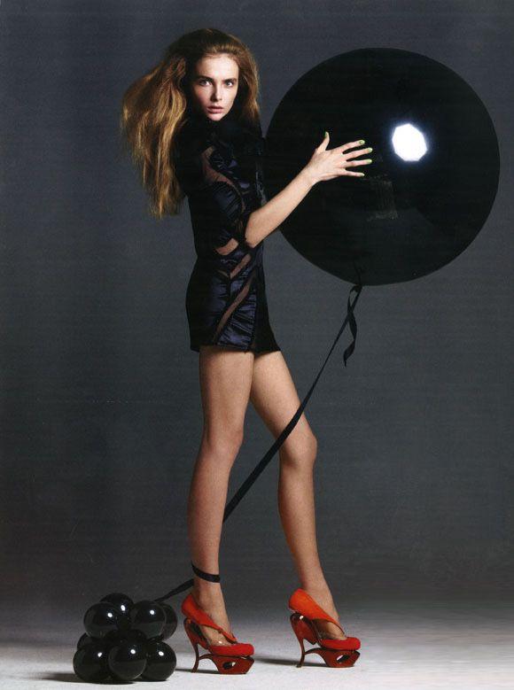 Russian_Vogue_July_2009_ph_Terry_Tsiolis_model_Snejana_Onopka_Women_Management_New_York_Blog_4_122_122lo