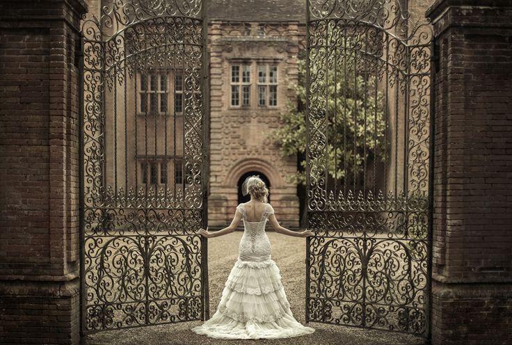 Bridal elegance New Place Hampshire  #hampshireweddingphotographer