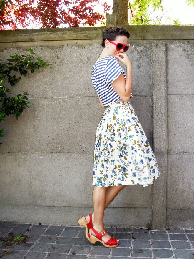 Love a striped tee with a floral skirt!