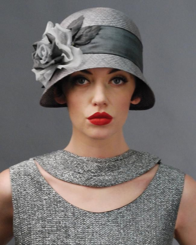 flapper style...please let hats come back...