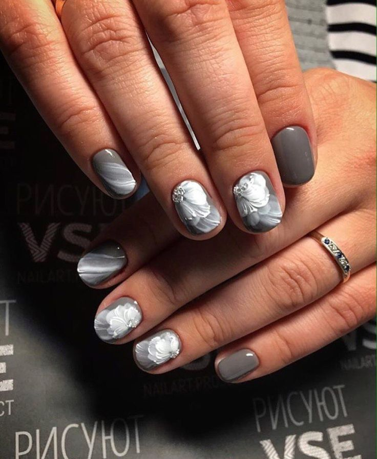 Accurate nails, Exquisite nails, Fall nail ideas, Fashion nails 2017, flower nail art, Gray shellac, Grey gel polish, Grey nails ideas