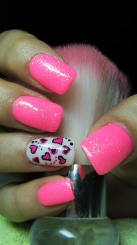 Pink and white nails with hearts by Valkira - Nail Art Gallery nailartgallery.nailsmag.com by Nails Magazine www.nailsmag.com #nailart
