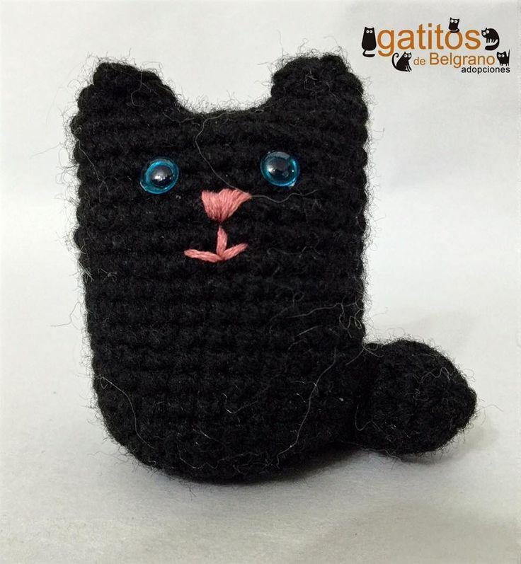Llavero de gatito en lana sintética. Venta a beneficio de los gatitos rescatados y comunitarios (Buenos Aires, Argentina)