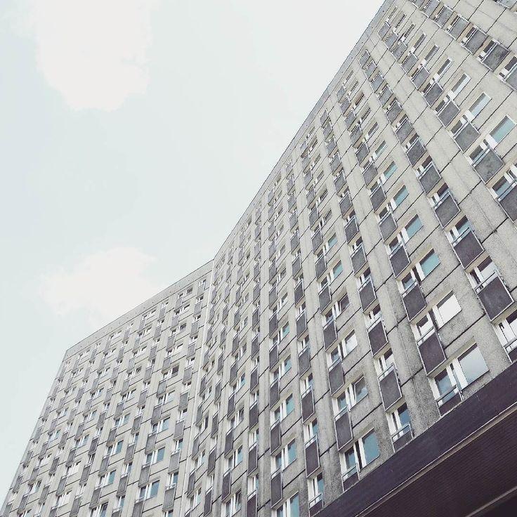 Hotel Polonez 1972-74 Poznań architects: J. Lisniewicz Cz. Nawrockiego J. Maciejewski S. Zieleskiewicz  #podrys #instaphoto #inspiration #city #life #street #love #polonez #akademik #travel #happy #day #landscape #light #wall #building #urban #art #architecture #archilovers #details #design #pattern #geometry #modernism #modernizm #minimal #sun #poland #poznan