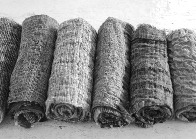 lovely textured linens...