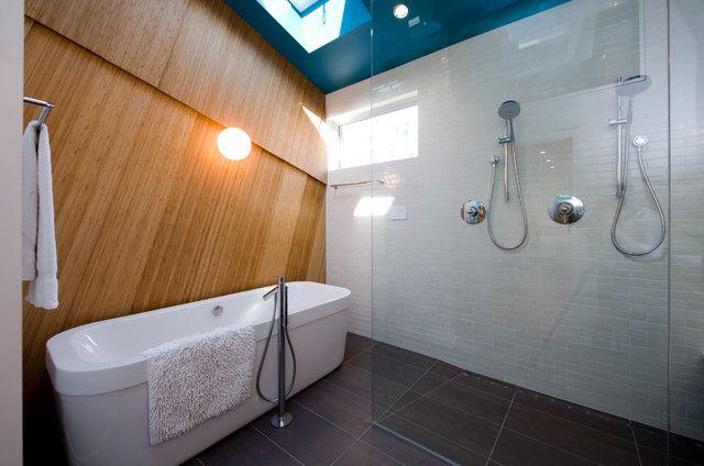 Ванная комната в синих и голубых цветах. Как использовать сине-голубые оттенки в интерьере ванной комнаты