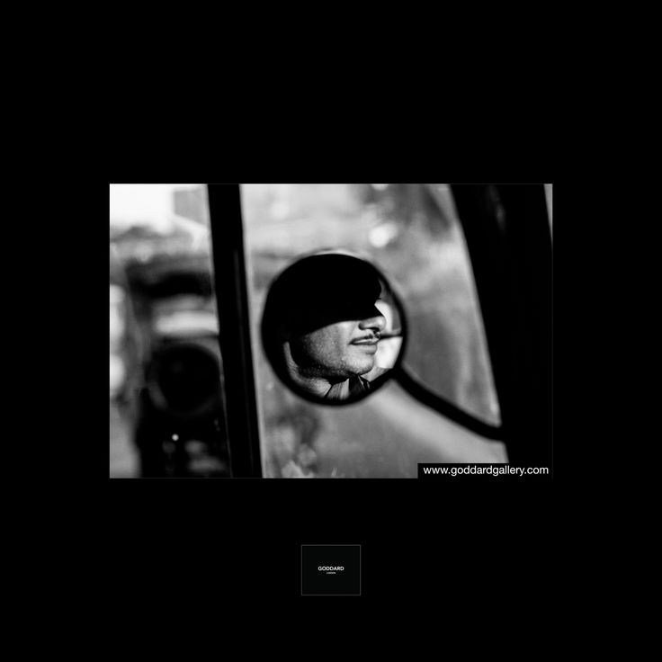 India  Follow us in Instagram @stevegoddardgallery⠀ #india #goddardgallery #stevegoddard #landscapephotography #leica #streetphotography #portraitphotography #stevegoddardphotography #blackandwhitephotography #mirror #goddard #ricksaw #newdelhi #goddardlondon #iconic #man