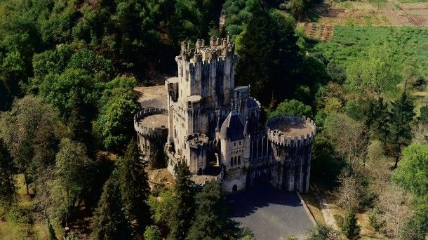 Castle auctioned online: Butron castle (Biscay. Basque Country)