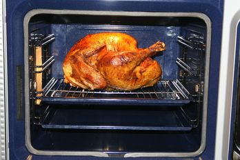 convection baking my 24 lbs turkey in 2 5 hours this year thanksgiving pinterest oven. Black Bedroom Furniture Sets. Home Design Ideas