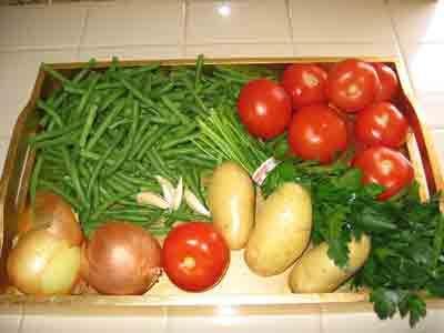 Veggies for greek green beans.