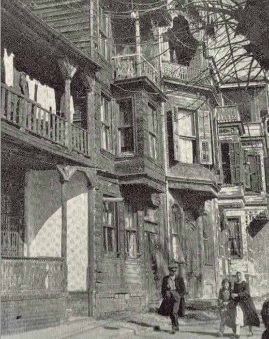 ✿ ❤ Bir Zamanlar İSTANBUL, Pazarbaşı'nda ahşap bir ev (Sarıyer, 1950'ler)
