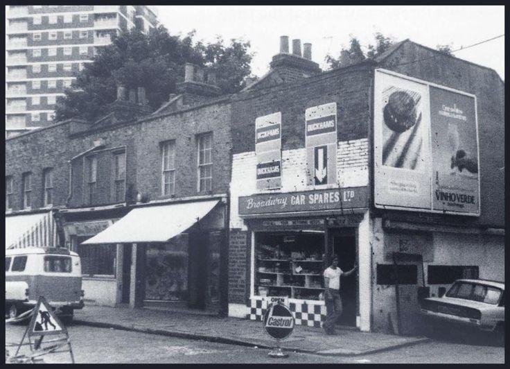 Broadway Market corner of Dericote Street around 1980s