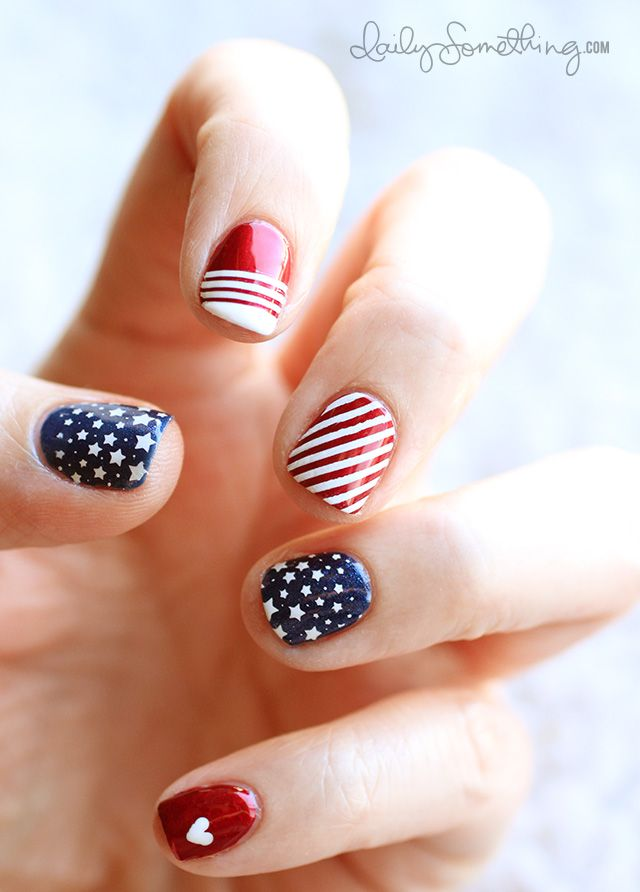 Red, White and Blue nails! So cute :)July Nails, Nails Art, Nails Design, Fourth Of July, Nails Ideas, 4Th Of July, Patriotic Nails, Patriots Nails, Blue Nails