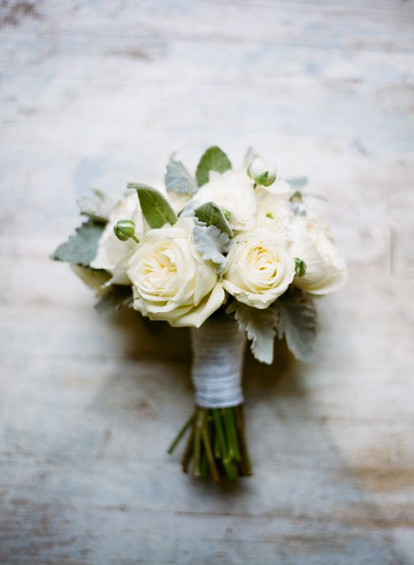 small wedding bouquets 17 best ideas about white bouquet on 7557