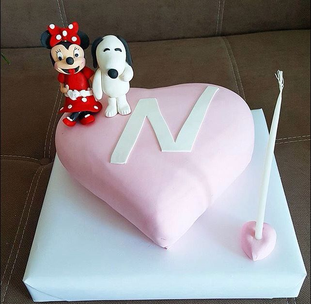 Minnie and snoopy cake