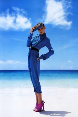 vogueFreja Beha Erichsen, Fashion Photographers, Vogue Fashion, Blue Fashion, Style, Vogue Paris, Ocean Blue, Beach Fashion, Fashion Photography