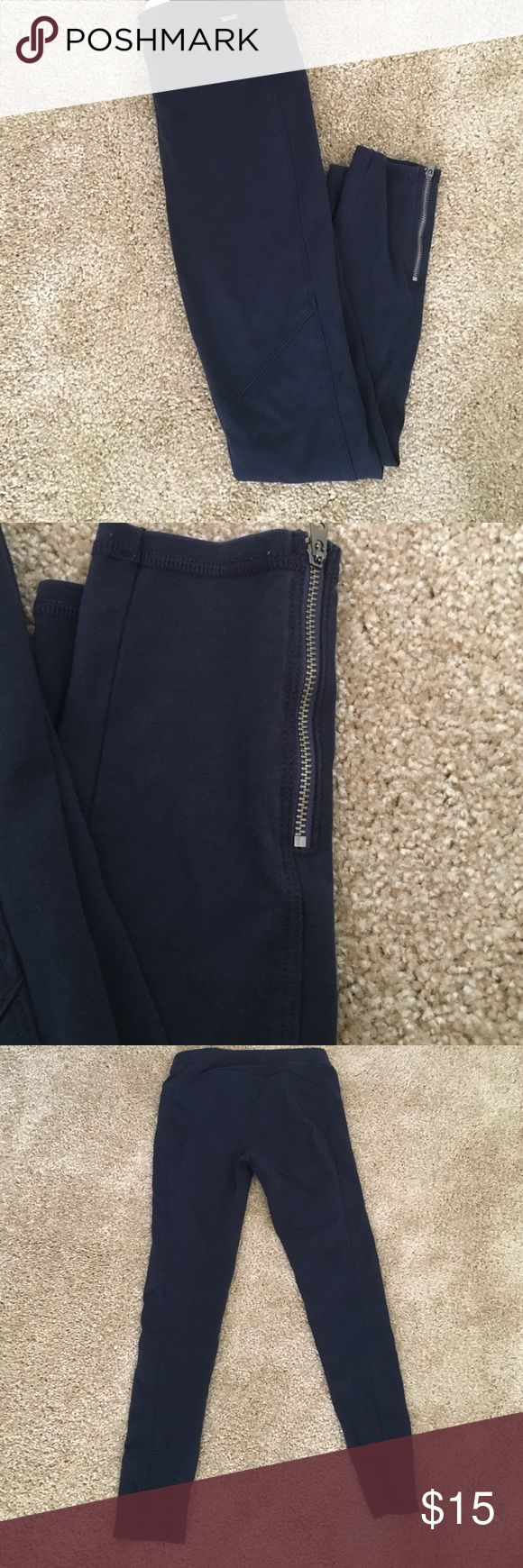 Abercrombie & Fitch navy blue leggings Very cute baby blue leggings size small. Zipper detailing on the bottom. In used but good conditon Abercrombie & Fitch Pants Leggings