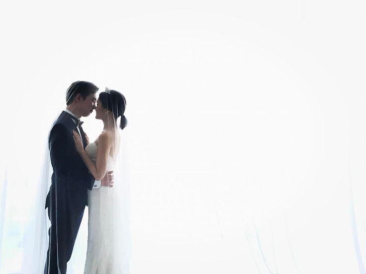 Andyoostudio rehearsal 미소가 똑같은 신랑신부님! 촬영내내 미소 가득!�� . . . #앤유스튜디오#andyoostudio#studio#wedding#hair#makeup#photography#bridal#instagood#photoofhteday#weddingdress#dress#pictorial#결혼#청담#웨딩#화보#샘플#헤어#메이크업#리허설#앤유스튜디오후기#럽스타그램#웨딩스튜디오#신부님#♡#웨딩드레스#신랑신부#사진#이우진 #이우진웨딩 http://gelinshop.com/ipost/1517352259347060599/?code=BUOt9cxhJd3