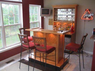 https://i.pinimg.com/736x/01/50/a0/0150a0a279c8acfc67db135b9d07dc44--wet-bar-designs-home-bar-designs.jpg