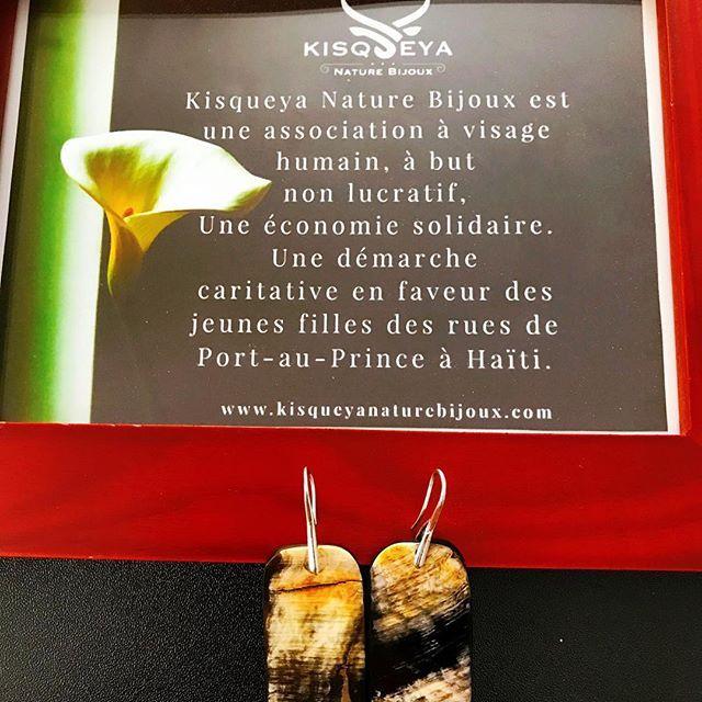 "Kisqueya Nature Bijoux is an association with a ""human face"", a non-profit organization, a solidarity economy, in a charity initiative for street girls in Port-au-Prince, Haiti. Collection Art Taìno - by #kisqueyanaturebijoux #handmadejewelry #buffalohorn #buffalohornjewelry #waterbuffalohorn #buffalohornbracelet #hornjewelry #earrings #bohemian #bohemianstyle #designer #jewelrydesigner #fashionblogger #handcraftedjewelry #handmadejewelry #bijouxfaitmain #organicjewelry #boho #bohochic…"