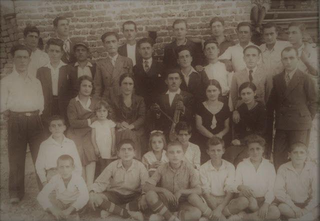 Santeos: Διασκέδαση νέων και παιδιών με τον λυράρη Τσορτάν