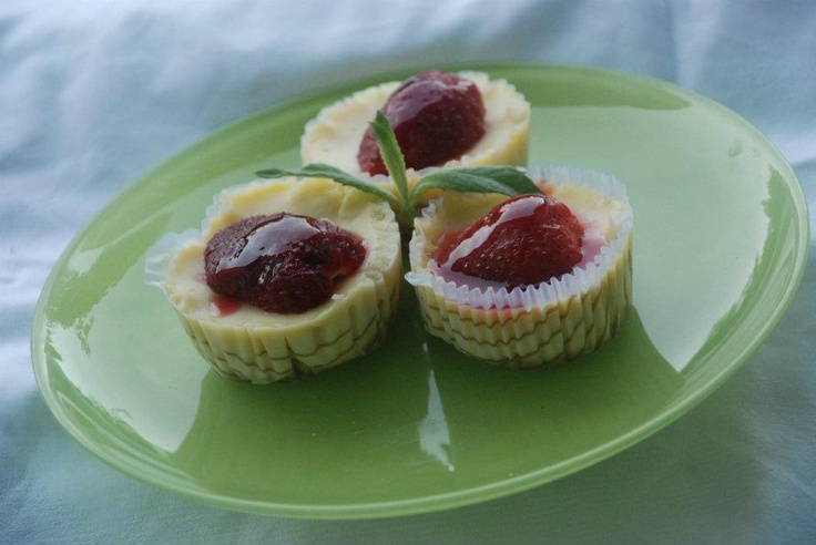 Strawberry minicheesecake  This are made by Cheesecake Romania