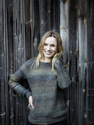 Sömlös damtröja Novita Nordic Wool Flow | Novita knits