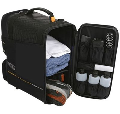 This would be an awesome gift for a guy who goes to the gym frequently (organized locker bag).