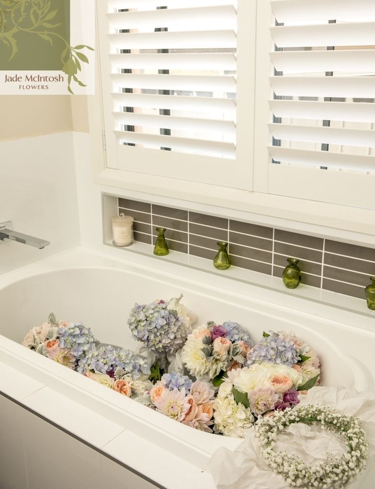 We love when photographers send us shots of our bouquet babies having a relaxing bath before their big moment. www.thierryboudanphotography.com.au