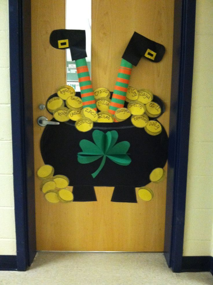 Happy St. Patrick's day class door. Classroom decor decoration idea for the holiday. Elementary.