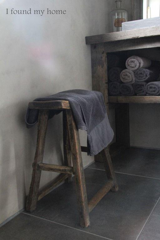 25 beste idee n over kleine badkamer verf op pinterest kleine badkamer kleuren kleine - Kleuren muur toilet ...