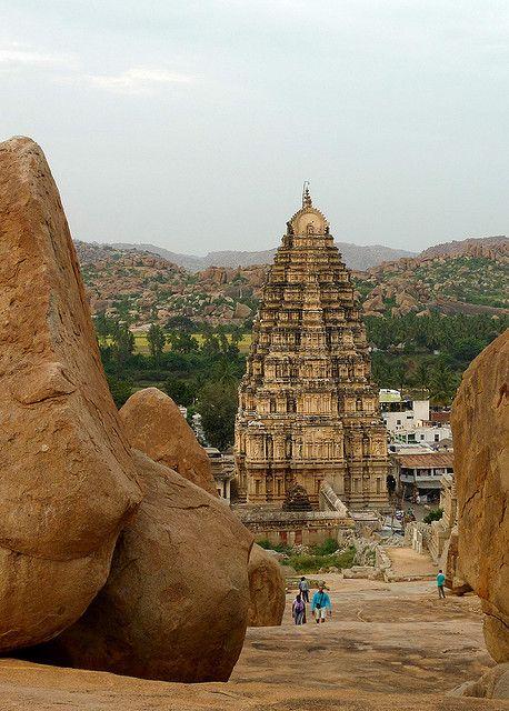 Virupaksha Temple, UNESCO World Heritage Site in Hampi, India (by photogunni).