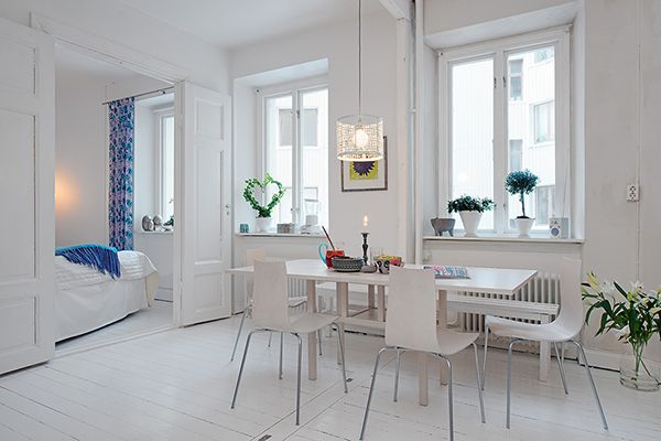 Living Table Precious White Apartment With Shabby Chic Details in Gothenburg