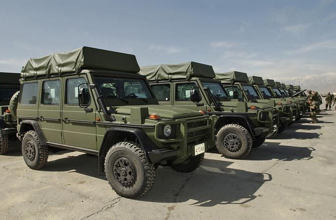 land cruiser expedition vehicle rocky mountain land. Black Bedroom Furniture Sets. Home Design Ideas